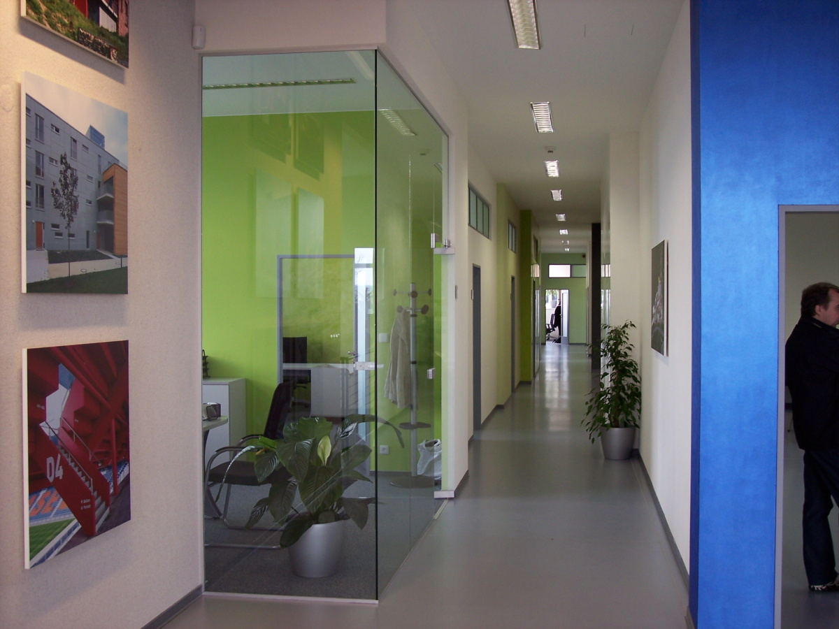 Sídlo firmy - logistický areál Čestlice
